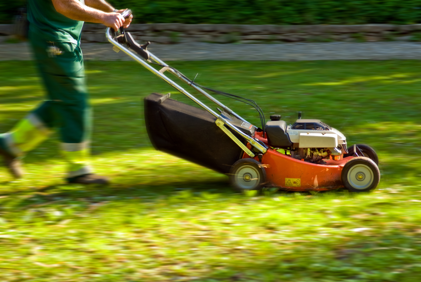 Lawn mowing in Carseldine Brisbane - GreenSocks
