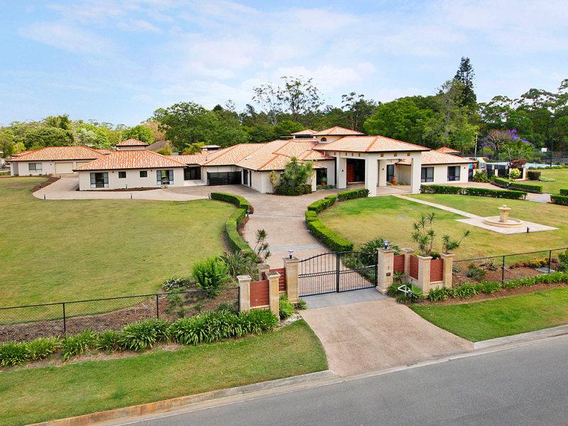 7 Bernborough Place, Bridgeman Downs, Brisbane. Image credit: RealEstate.com.au and Ray White Ascot.
