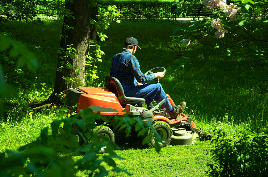 What Time Can I Start Mowing? Noise Restriction Times