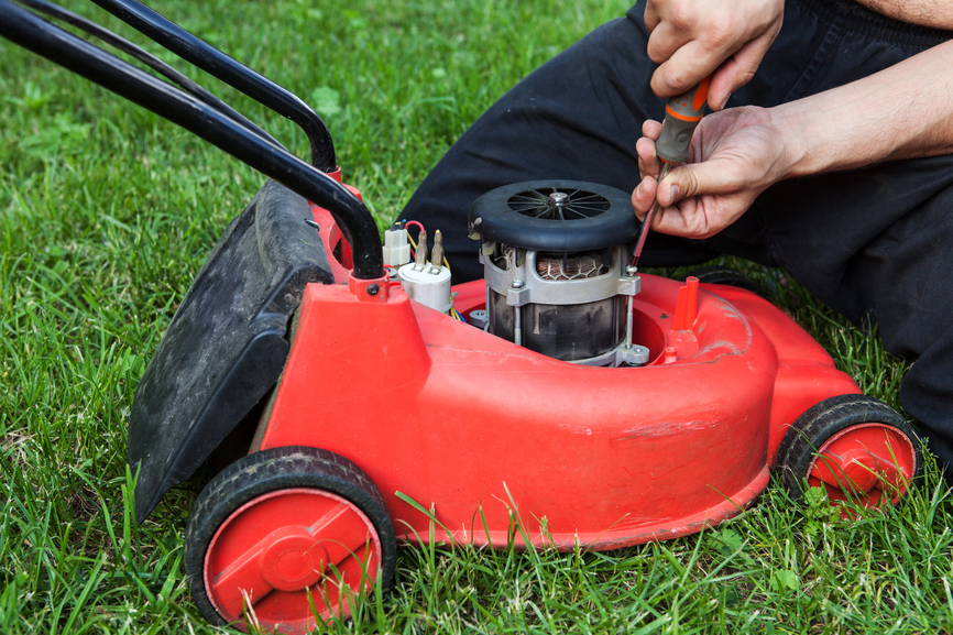 Lawn mower maintenance - another thing to do in your mowing business when it's raining!