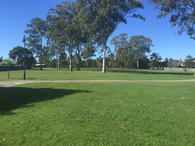 Don't you just love seeing huge green open spaces in Brisbane? Mulbeam Park, Boondall © GreenSocks