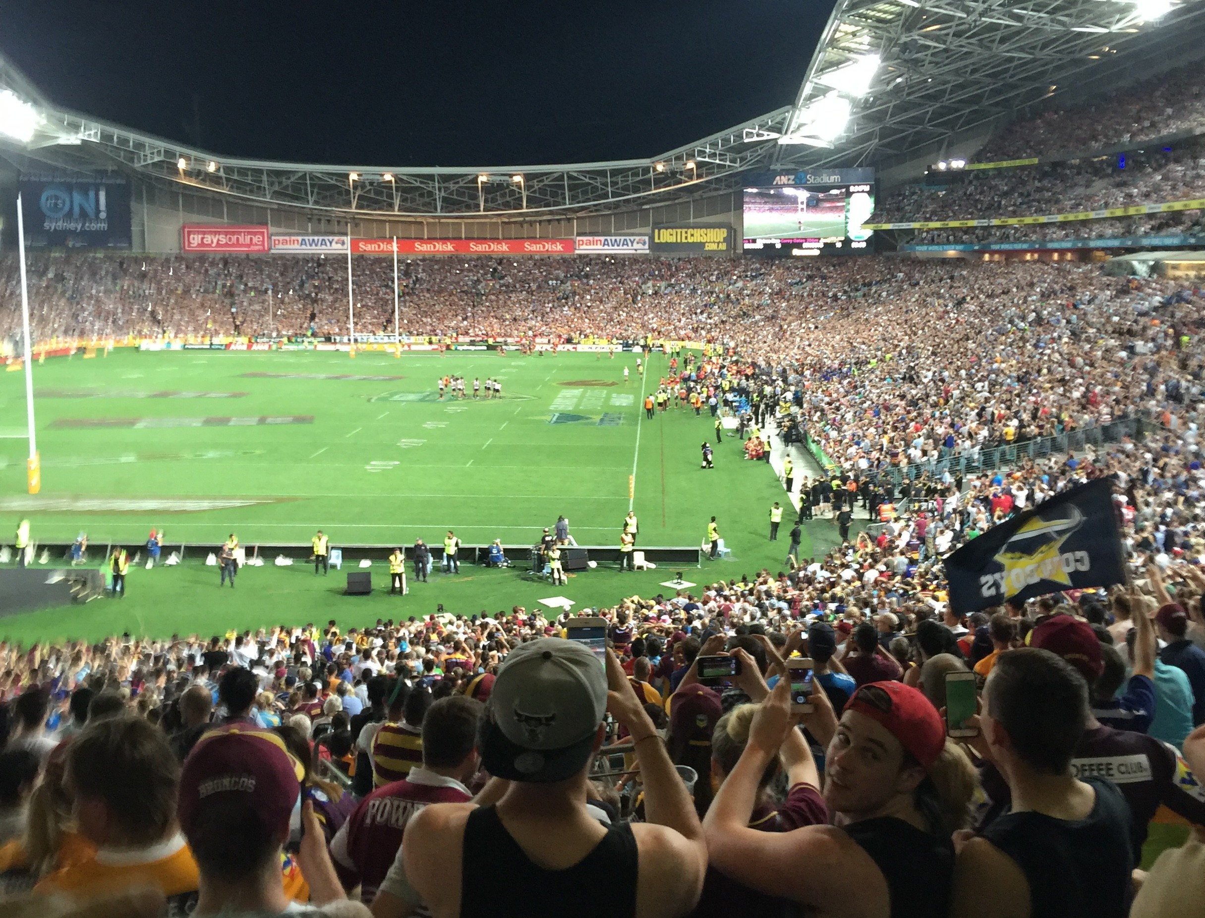 """Hey GreenSocks, did you mow this lawn?"" says Mark Cantoni from Outbound at the NRL Grand Final"