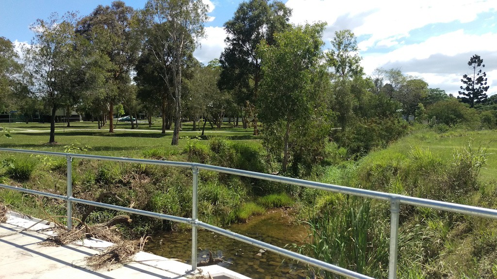 Get your Geebung lawn mowing prices then book with GreenSocks so you can enjoy the park! © GreenSocks
