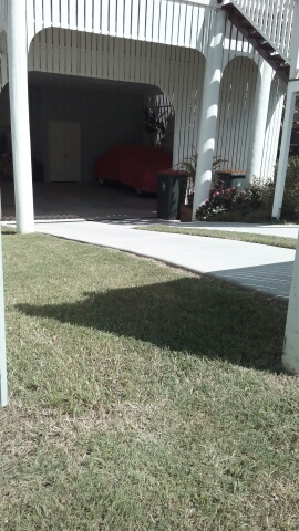 """After"" photo of a lawn mowed in Ashgrove Brisbane © GreenSocks"
