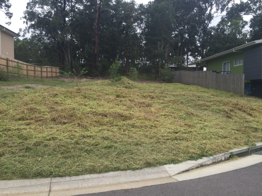"""After"" photo of Moggill lawn care job by one of the providers in our GreenSocks network © GreenSocks"