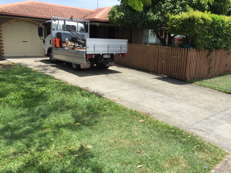 """Before"" photo of Elanora lawnmowing job © GreenSocks"