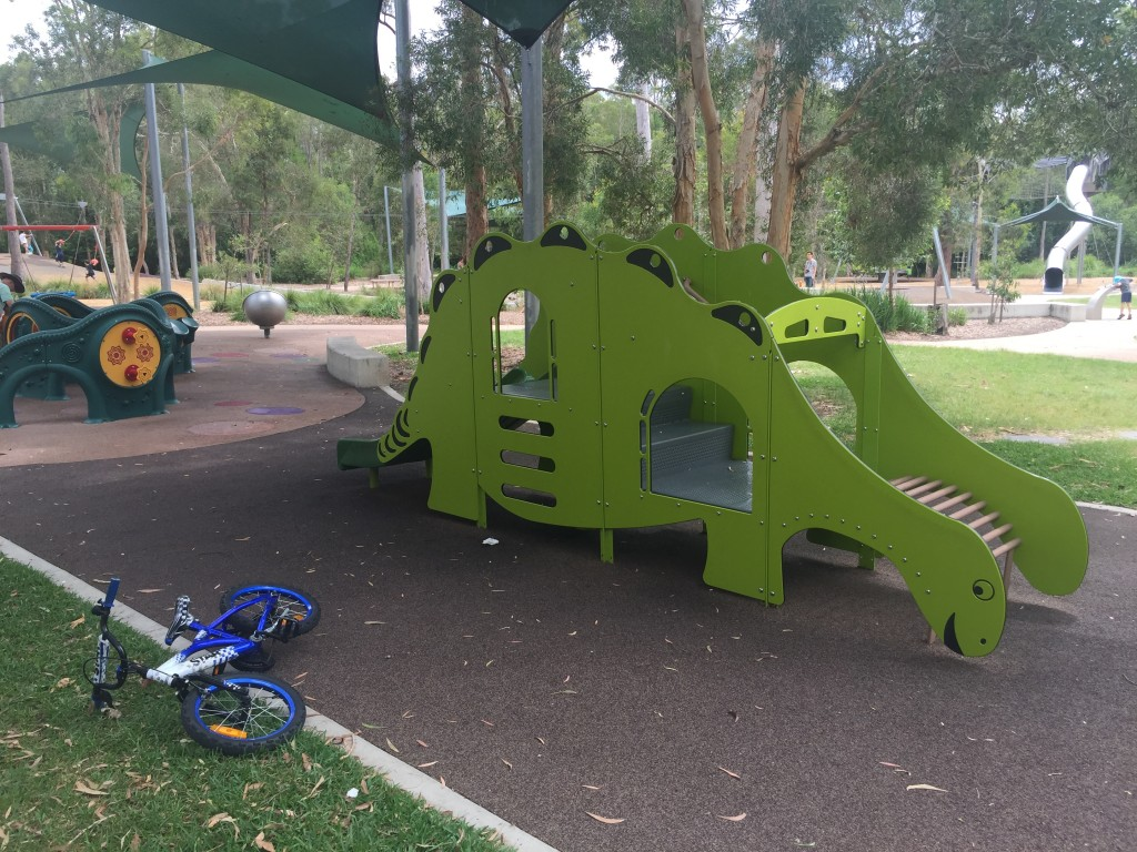 Get your Calamvale mowing prices, book a mow and then head go Calamvale District Park © GreenSocks