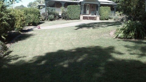 After Photo - Brookfield Lawn Care © GreenSocks