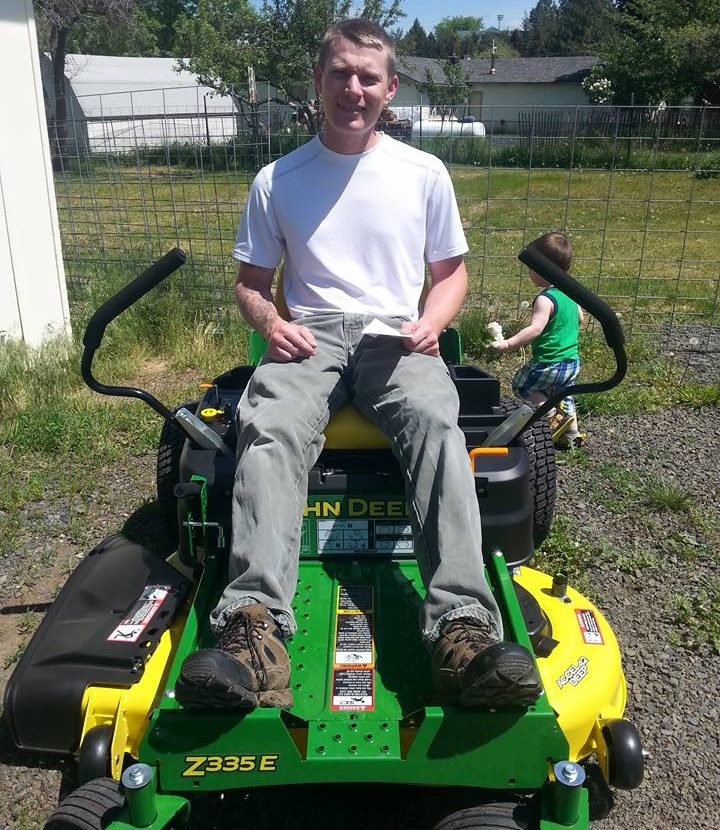Good news story - Lawn mower gift to war veteran Chris Garrett (Image credit: Shareably)